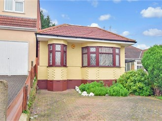 5 bed semi-detached bungalow in Clayhall, Ilford