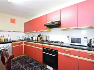 3 bed terraced house in London E12