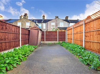 4 bedroom terraced house in Plaistow, London
