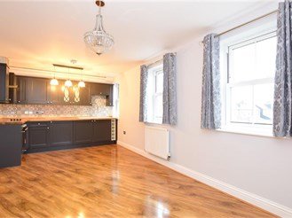 1 bedroom first floor apartment in Brentwood