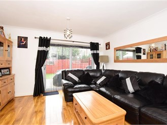 2 bed end of terrace house in Ilford