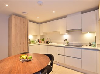 2 bed ground floor apartment in Buckhurst Hill