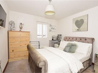 2 bed ground floor flat in Hornchurch