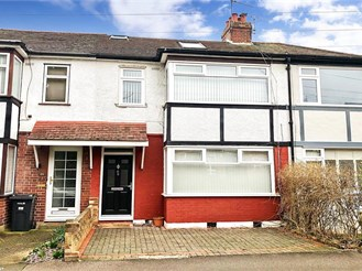 4 bed terraced house in Woodford Green
