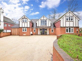 7 bedroom detached house in Horton Kirby, Dartford