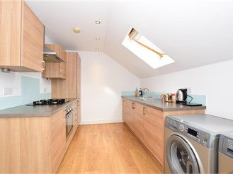2 bed second floor flat in London E4