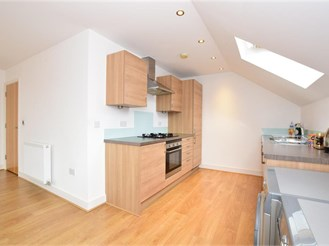 2 bed top floor flat in London E4