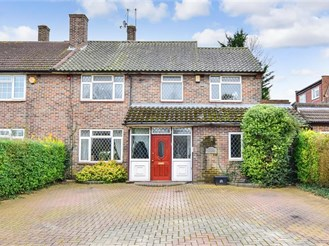 4 bedroom semi-detached house in Chigwell Row