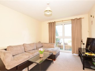 1 bed first floor flat in Ilford