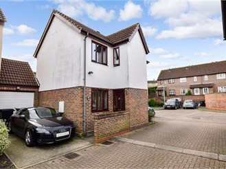 3 bedroom detached house in Ongar