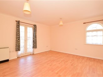 2 bed first floor apartment in London E12
