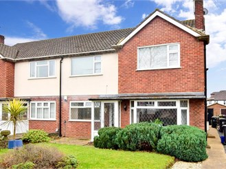 2 bedroom ground floor maisonette in Chigwell
