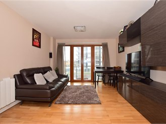 2 bed third floor apartment in Ilford