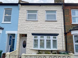 3 bed terraced house in Leytonstone