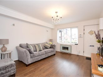 1 bed ground floor maisonette in Loughton