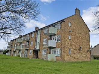 2 bed second floor flat in Chadwell Heath