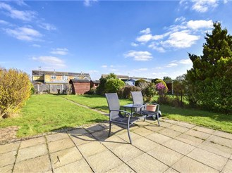 2 bed semi-detached bungalow in Wickford