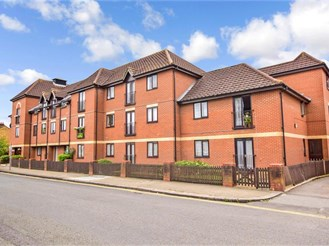 2 bed top floor retirement flat in Ilford