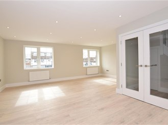 2 bed first floor maisonette in Epping