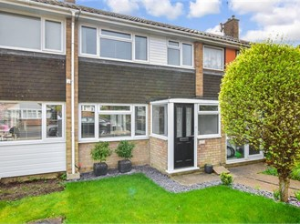 3 bed terraced house in Brentwood