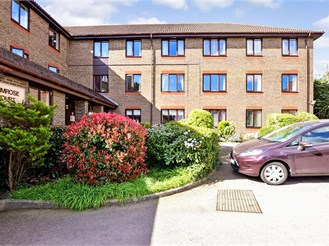 2 bed first floor flat in Brentwood