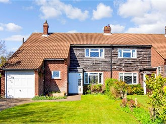 3 bed semi-detached house in Theydon Bois