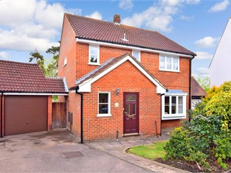4 bed detached house in Loughton