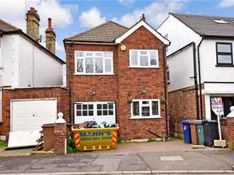 3 bed link-detached house in Walthamstow, London