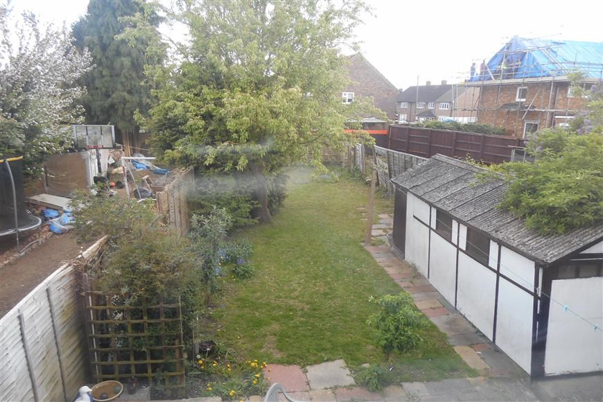 3 Bedroom Semi Detached House For Sale In Loughton