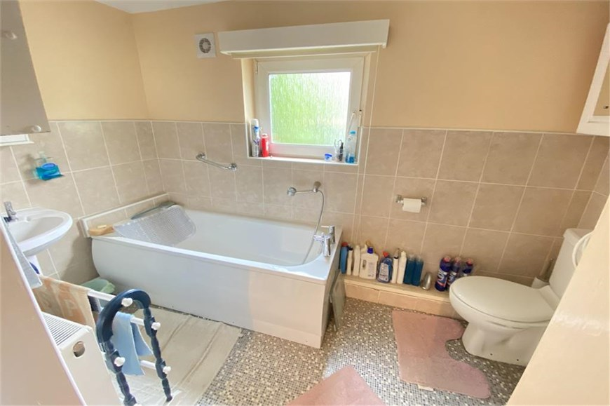 Bathroom - Annexe