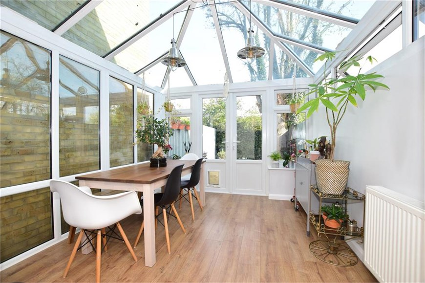 Conservatory/ Dining Area