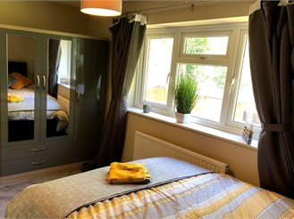 Room B, Chandler Close, Crawley, West Sussex